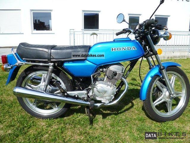 1982 Honda  CB 125 Motorcycle Lightweight Motorcycle/Motorbike photo