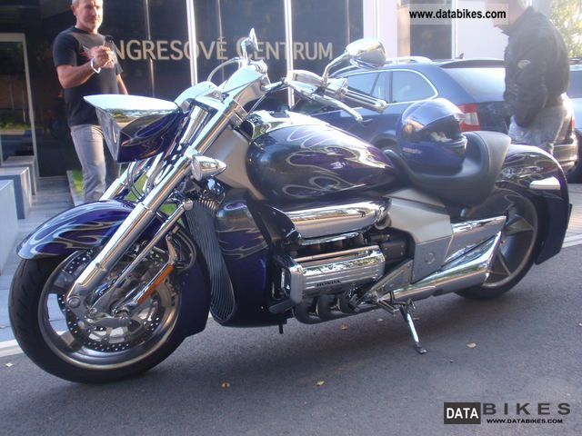 2004 Honda  Valkyrie Rune Motorcycle Chopper/Cruiser photo