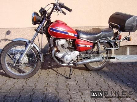 1982 Honda  CM 200/185 T Motorcycle Chopper/Cruiser photo