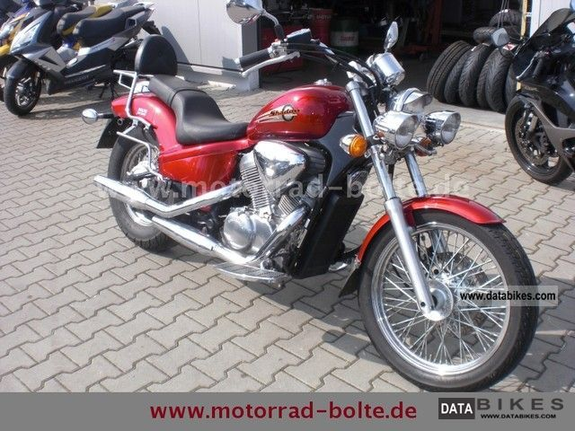 1998 Honda  VT600C PC21 Motorcycle Chopper/Cruiser photo