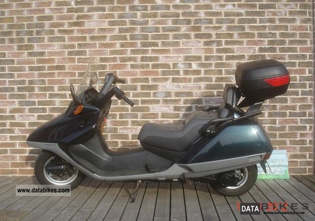 1995 Honda  Helix 250 Motorcycle Scooter photo