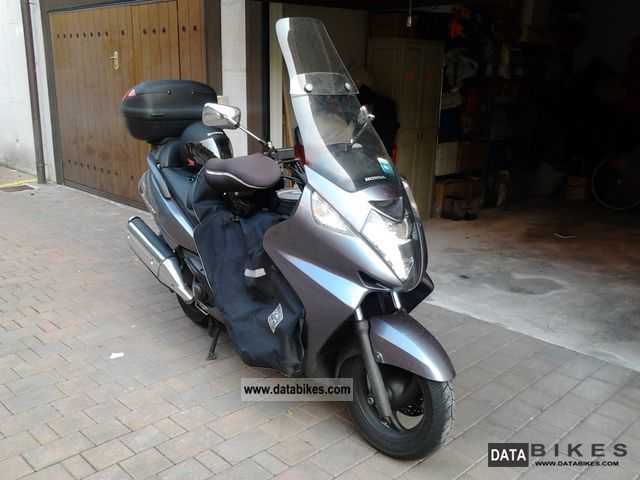 2006 honda maxi scooter. Black Bedroom Furniture Sets. Home Design Ideas