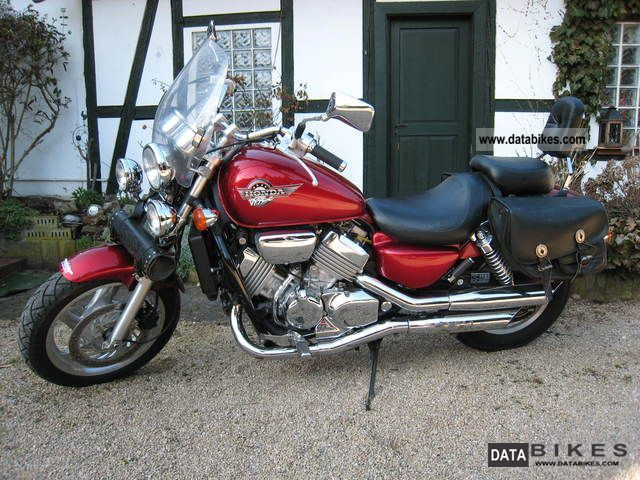 1997 Honda  VF 750 C Motorcycle Chopper/Cruiser photo