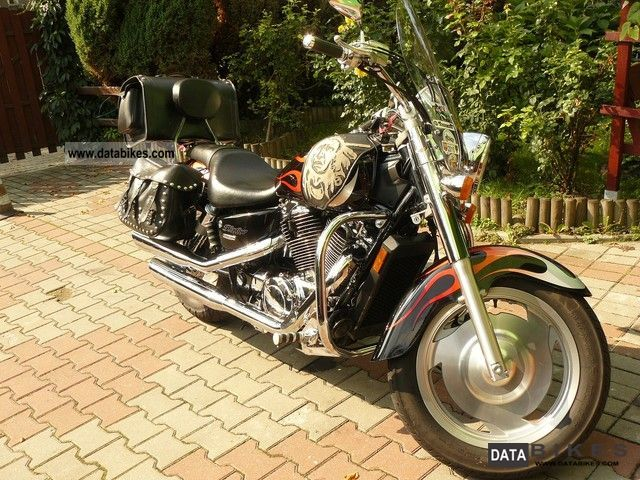 2005 Honda  Sabre VT 1100 Motorcycle Chopper/Cruiser photo