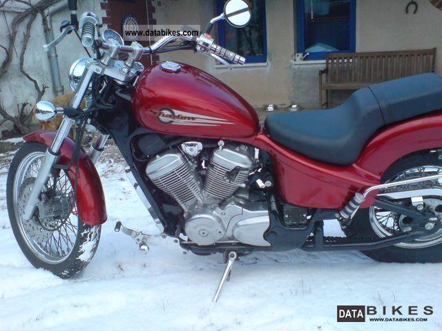 1998 Honda  VT 600 C Motorcycle Chopper/Cruiser photo