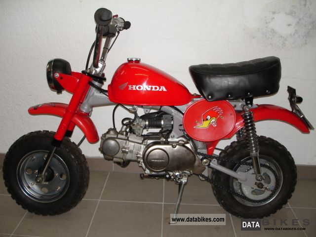 Honda  Monkey Z50J original! 1970 Vintage, Classic and Old Bikes photo