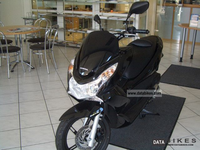 Honda  PCX 2010 Scooter photo