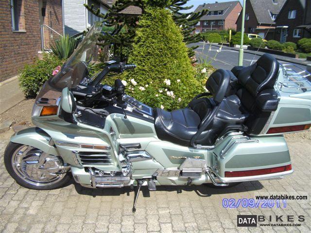 2003 Honda  Goldwing 1500 SE Motorcycle Tourer photo