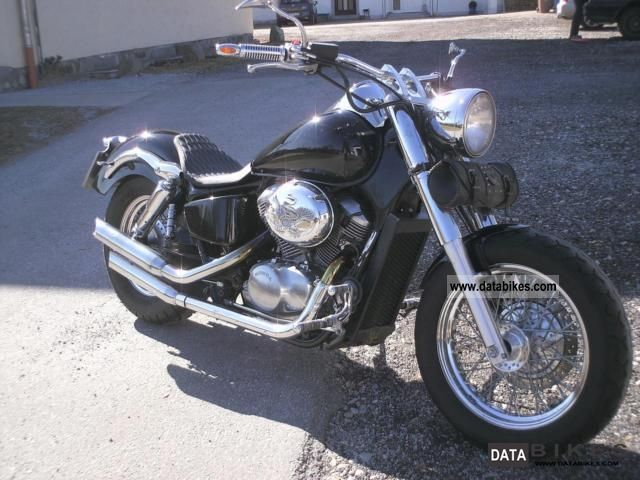 1999 Honda  VT 750 C2 Motorcycle Chopper/Cruiser photo