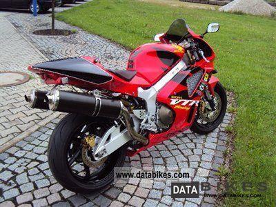 2004 honda vtr 1000 sp 1 service history  lots of accessories Yamaha YFZ 1000 Yamaha Banshee 1000