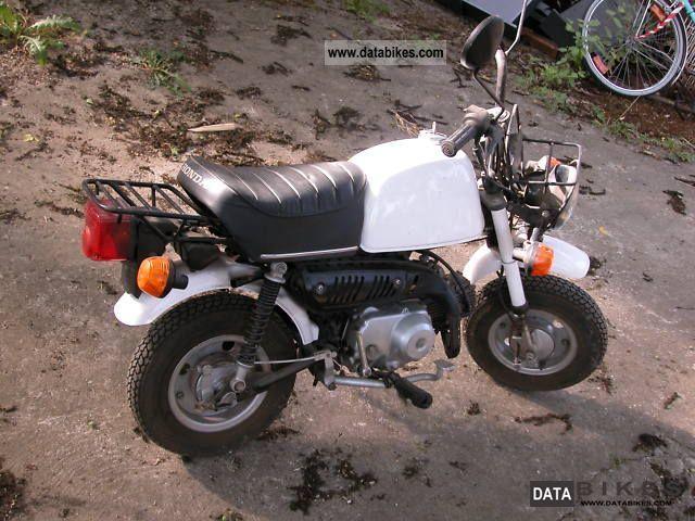 1973 Honda  original Monkey Z50J Motorcycle Motor-assisted Bicycle/Small Moped photo