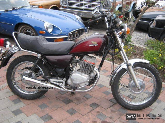 1981 Honda  CM 125C Motorcycle Chopper/Cruiser photo