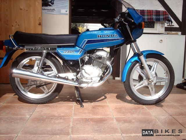 Honda  cb 125 T2 1979 Vintage, Classic and Old Bikes photo