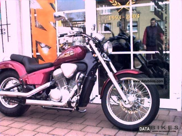 1998 Honda  VT 600 Motorcycle Chopper/Cruiser photo