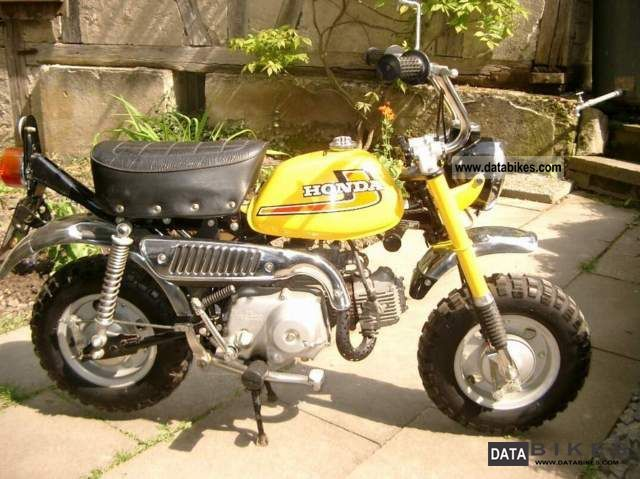 Honda  Z50J MONKEY 1.HD./SCHECKHEFT/ORG.ZUST. 1976 Vintage, Classic and Old Bikes photo