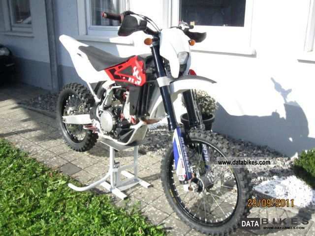 2009 Husqvarna  TE 510 ie Motorcycle Enduro/Touring Enduro photo