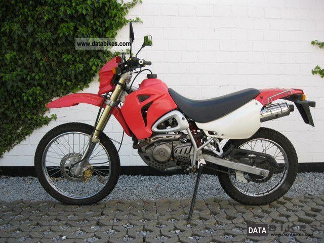 Hyosung 125 rx 2003 lightweight motorcycle motorbike photo