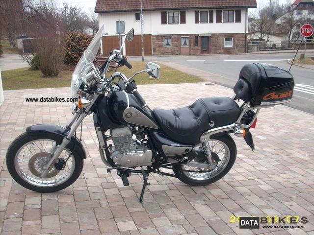 1999 Hyosung  CruisseIIClassic Motorcycle Chopper/Cruiser photo