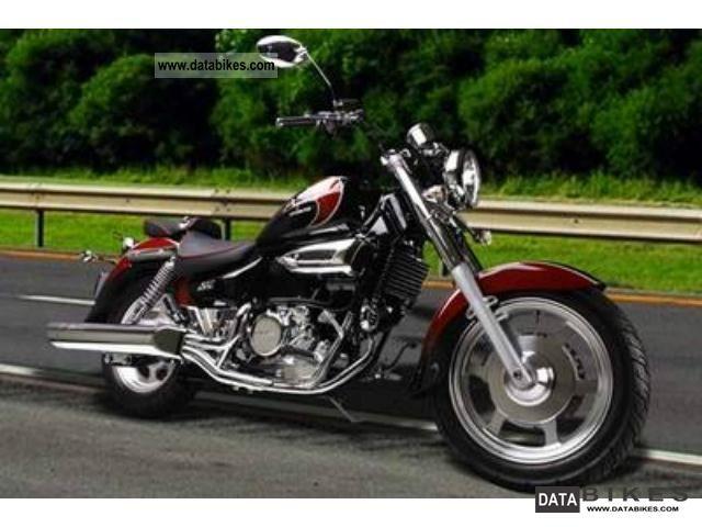 2011 Hyosung  GV 125 Motorcycle Chopper/Cruiser photo