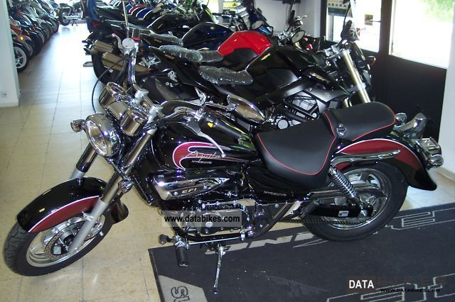 2011 Hyosung  GV 250 Aquila - NEW MODEL 2012 Motorcycle Chopper/Cruiser photo