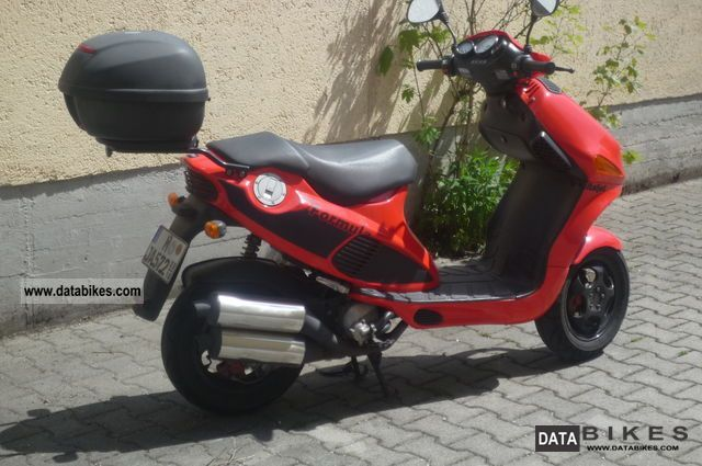 1999 Italjet  Formula 125 Motorcycle Scooter photo