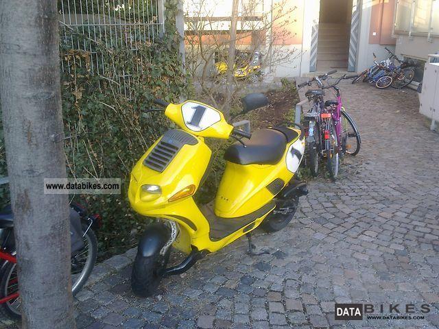 1996 Italjet  Formula 50 Motorcycle Scooter photo