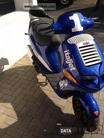 1997 Italjet  Formula Twin Motorcycle Scooter photo