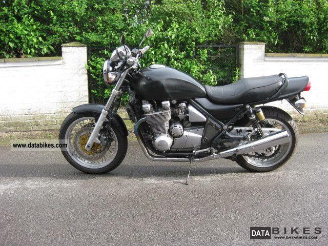1993 Kawasaki  1100 Zehpyr Motorcycle Tourer photo
