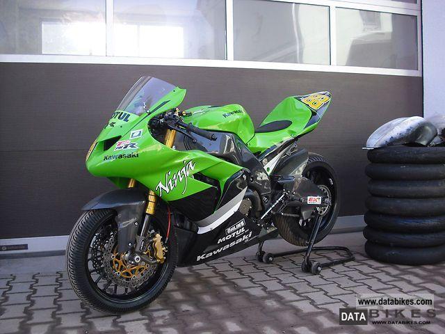 2004 Kawasaki  zx 10r Motorcycle Racing photo