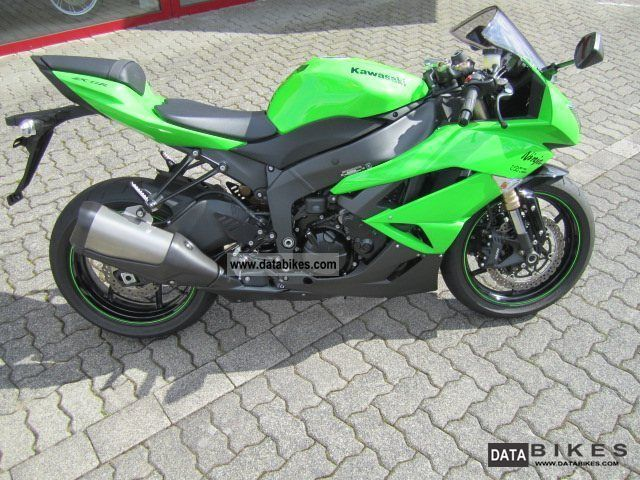 2010 Kawasaki  ZX-6R Ninja Motorcycle Sports/Super Sports Bike photo