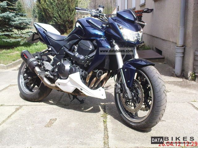 2009 Kawasaki  ZR 750 Motorcycle Naked Bike photo