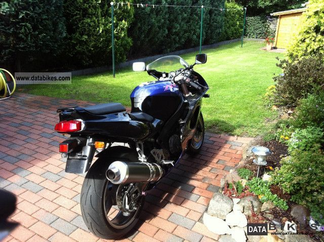 1995 Kawasaki  ZXR 750 Motorcycle Sports/Super Sports Bike photo