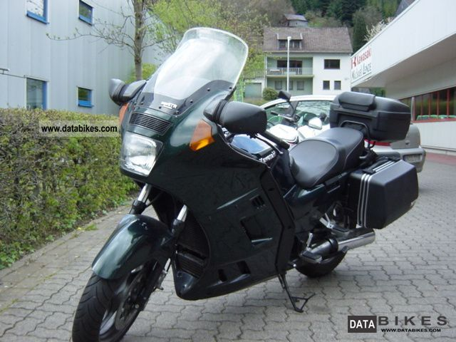 1997 Kawasaki  GTR 1000 Motorcycle Tourer photo