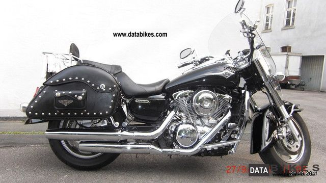 2004 Kawasaki  VN 1600 Classik Motorcycle Chopper/Cruiser photo
