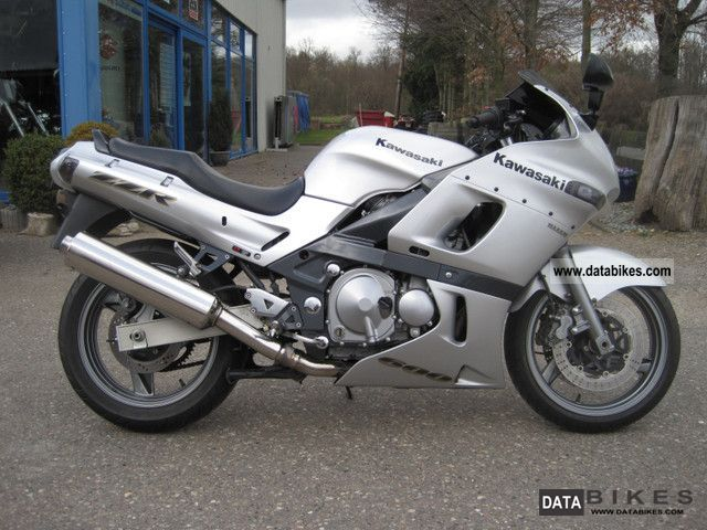 2004 Kawasaki  ZZR 600 Motorcycle Tourer photo