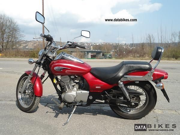 2005 Kawasaki  BN125A Motorcycle Chopper/Cruiser photo