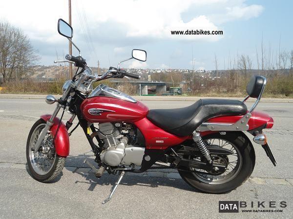 2005 Kawasaki  BN125A Motorcycle Chopper/Cruiser photo
