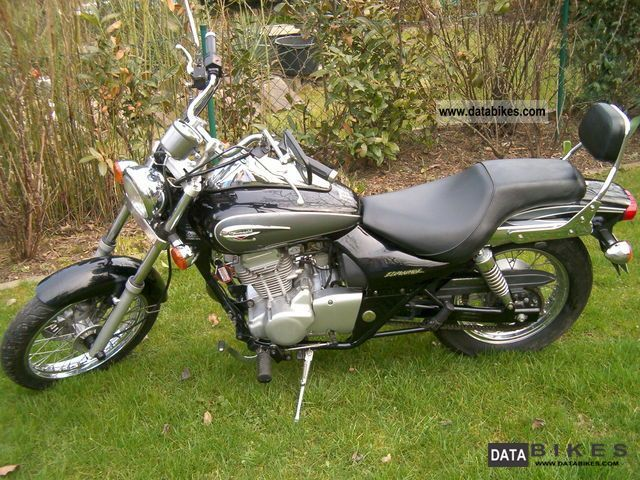 2003 Kawasaki  BN 125 Eliminator Motorcycle Chopper/Cruiser photo