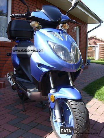 2005 Keeway  Focus 125 Motorcycle Scooter photo