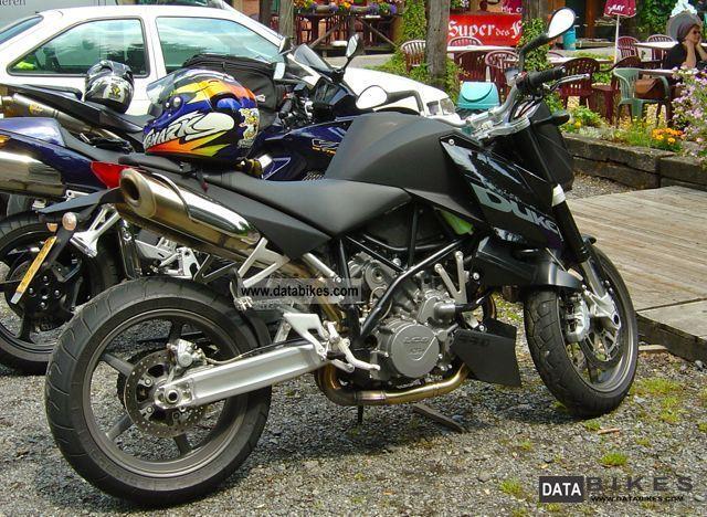 2005 KTM  Super Duke Motorcycle Streetfighter photo
