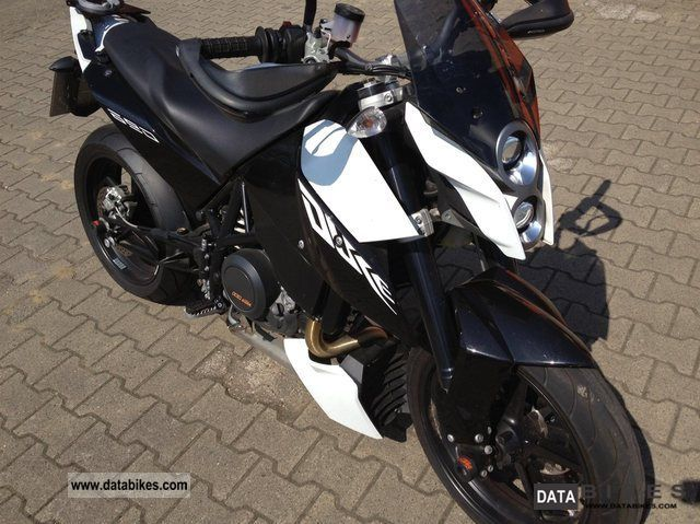 2009 KTM 690 Duke, Lowered