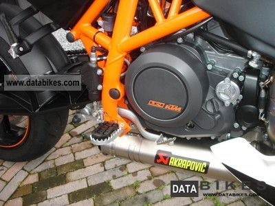 2011 KTM Duke R 690 Akrapovic Carbon Motorcycle Super Moto photo 2