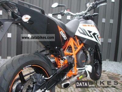 2011 ktm duke r 690 akrapovic carbon. Black Bedroom Furniture Sets. Home Design Ideas