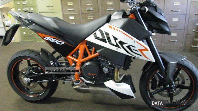 KTM  690 DUKE R 2010 Sports/Super Sports Bike photo
