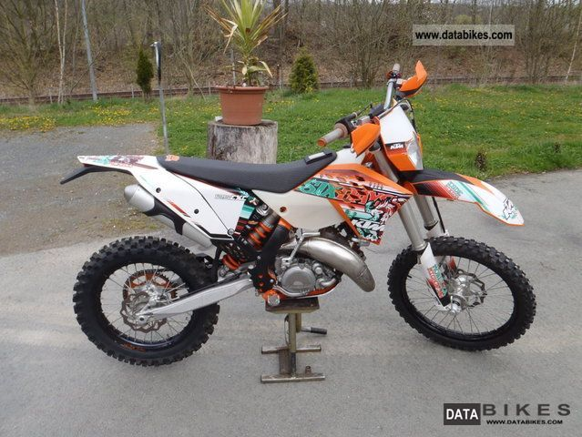 2011 KTM  125 Motorcycle Enduro/Touring Enduro photo