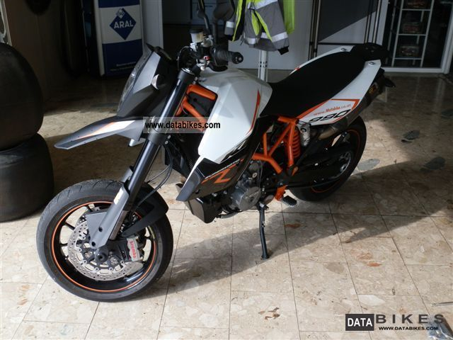 2011 KTM  990 R SMR - Supermoto Motorcycle Motorcycle photo