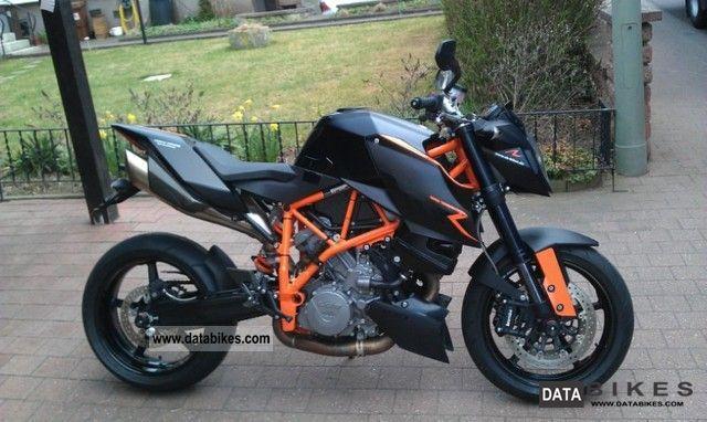2010 KTM  Super Duke Motorcycle Naked Bike photo