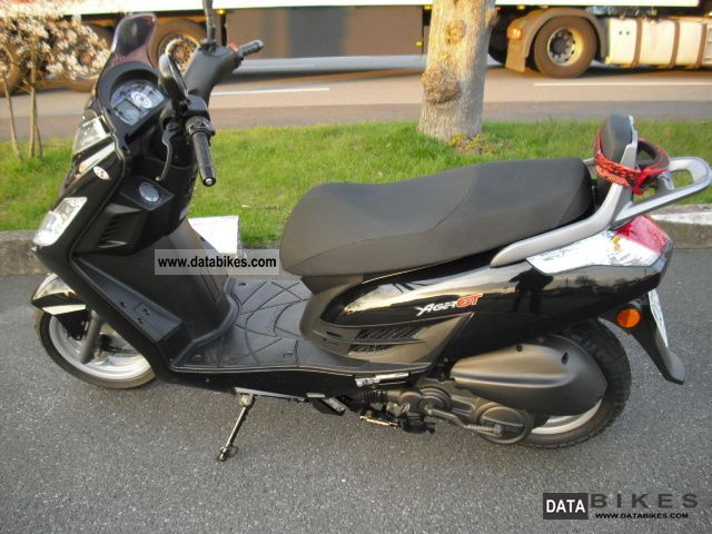 Kymco  Acer GT 125 2010 Scooter photo