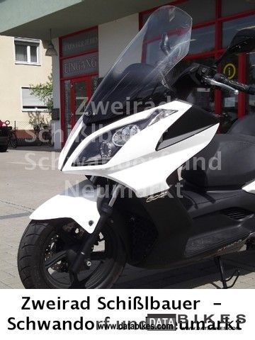 Kymco  Downtown 300i first Hand only 750 km 2011 Scooter photo