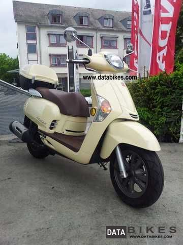 2009 Kymco  Like125 Motorcycle Scooter photo